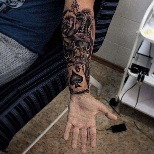 crown tattoo17