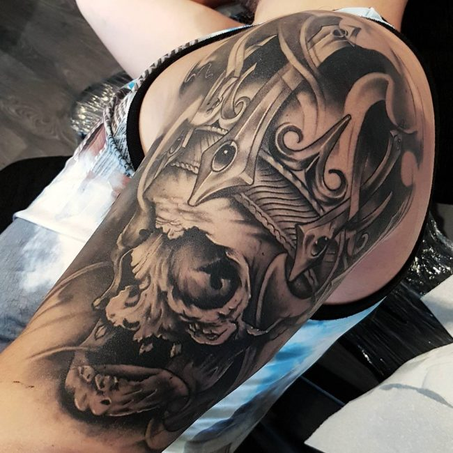 crown tattoo20