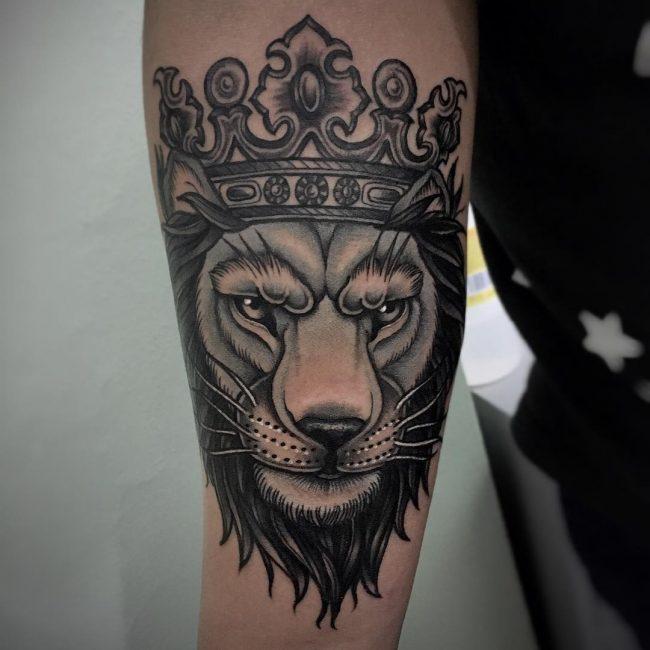 crown tattoo23