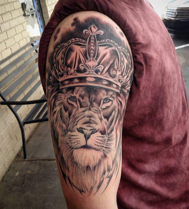 crown tattoo25