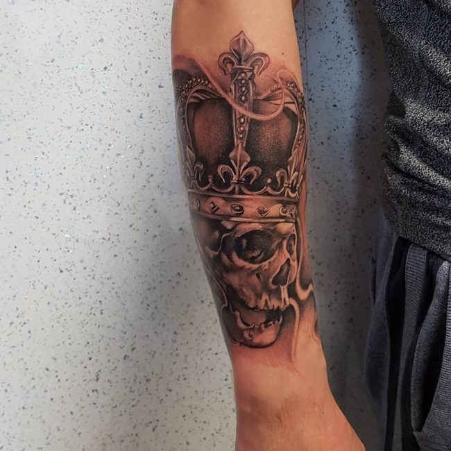 crown tattoo35