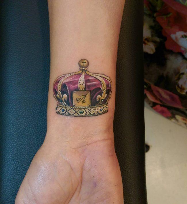 crown tattoo46