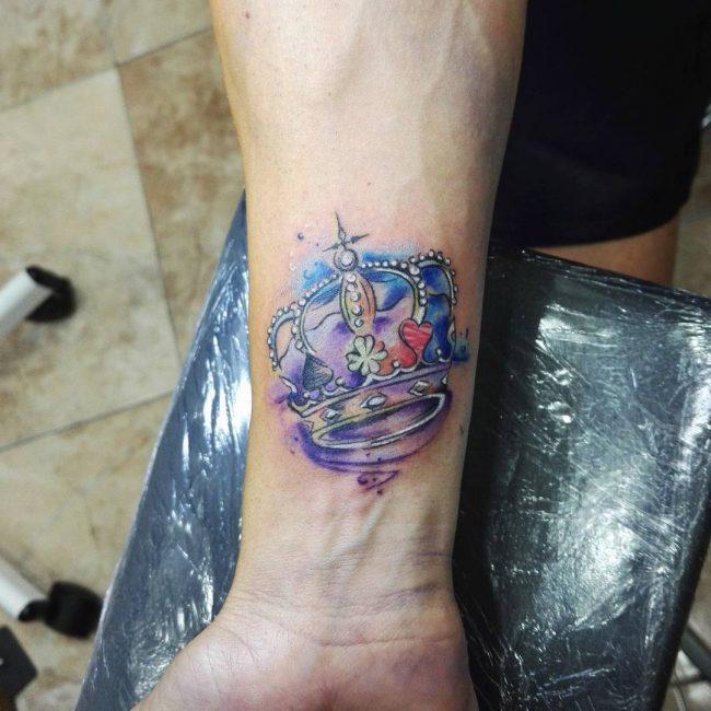 crown tattoo48