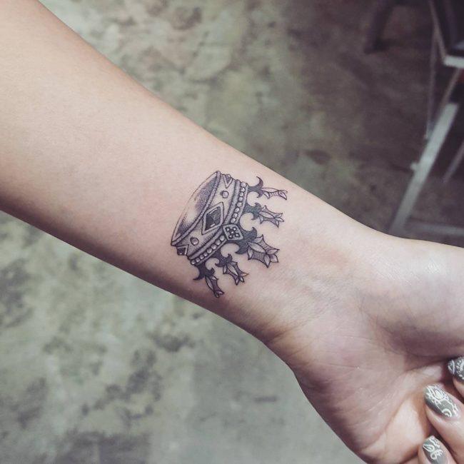 crown tattoo8