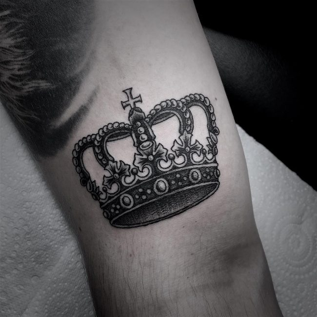 crown tattoo9