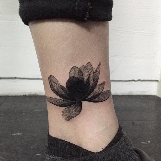 minimalist tattoo26