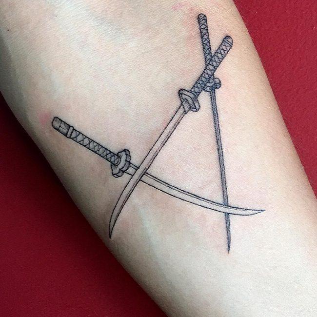 minimalist tattoo40