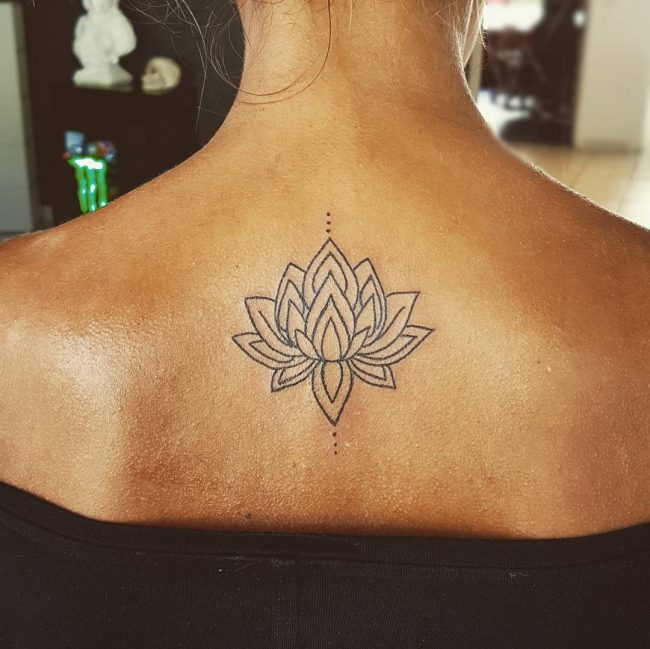 125 inspiring minimalist tattoo designs subtle body for Minimal art tattoo