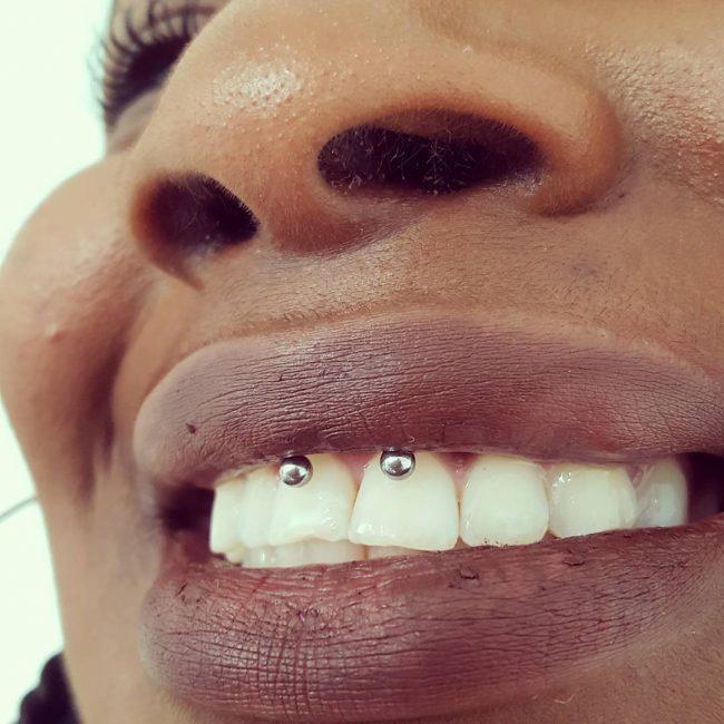 smiley-piercing25