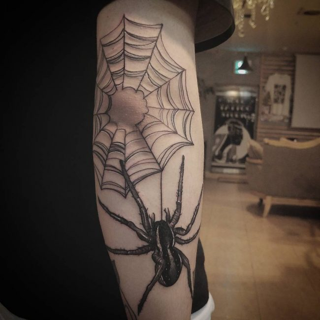 spider web tattoo11