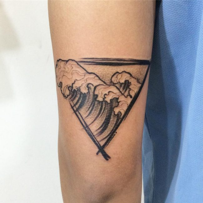 wave tattoo3
