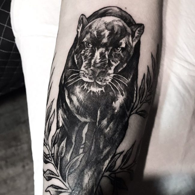 crawling panther tattoo