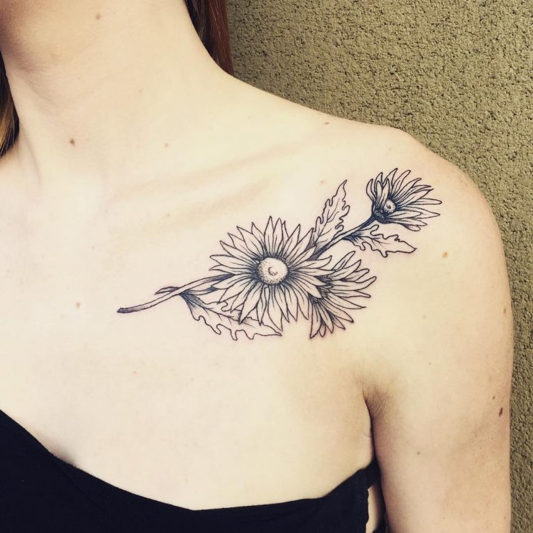 Collarbone Tattoo 93