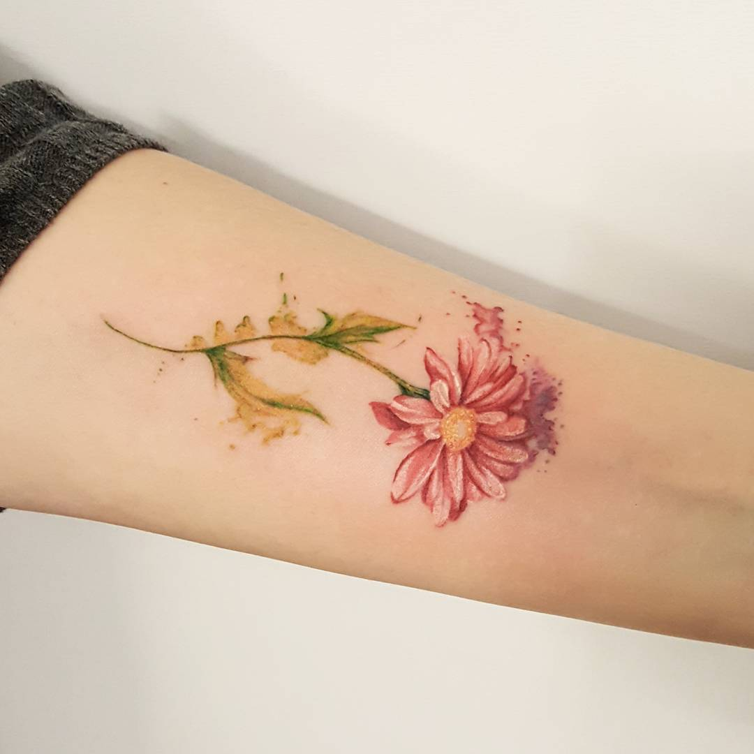 Floral Tattoo Images Designs: 85+ Best Daisy Flower Tattoo