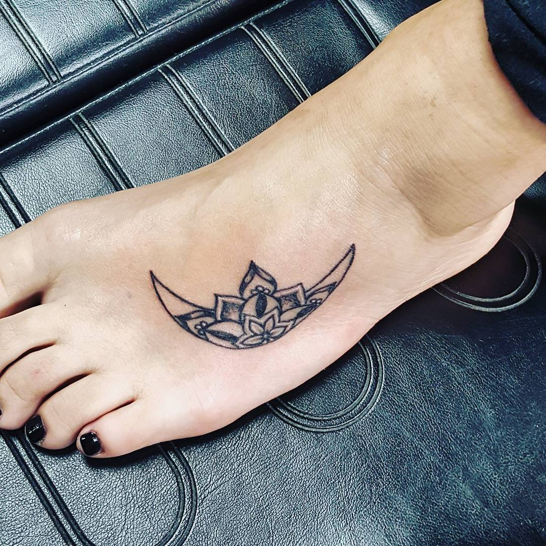 100 best foot tattoo ideas for women designs meanings 2018 - Small foot design ...