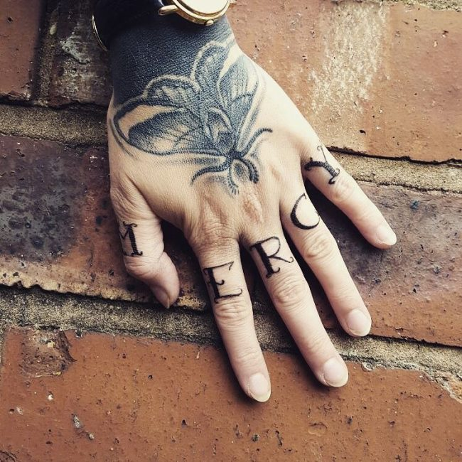 Knuckle Tattoo 103