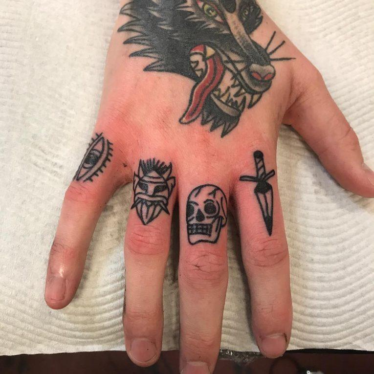Knuckle Tattoo 115
