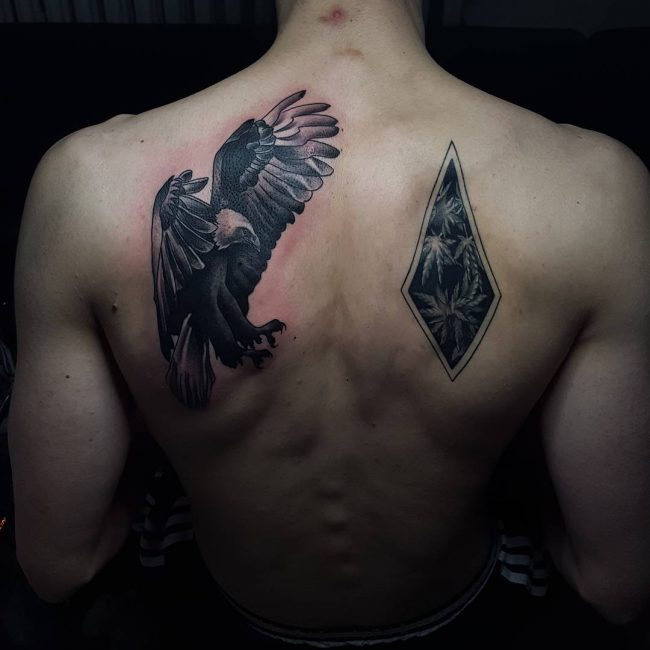 Shoulder Blade Tattoo 37