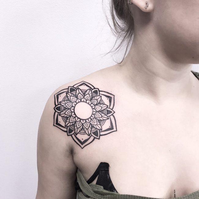 Shoulder Tattoo 75