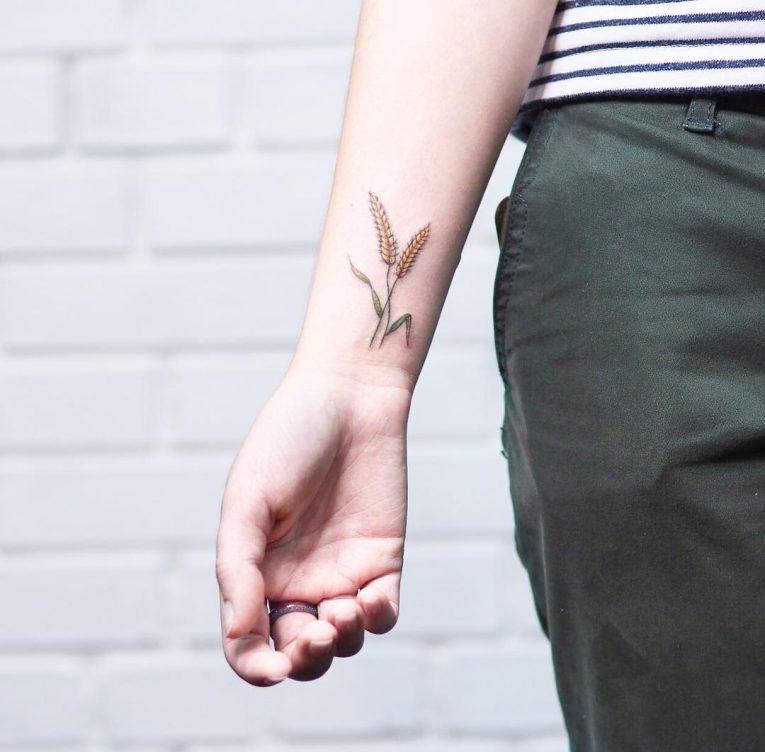 Simple Tattoo 96