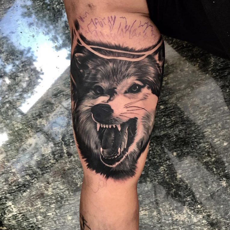 lone wolf tattoos tribal