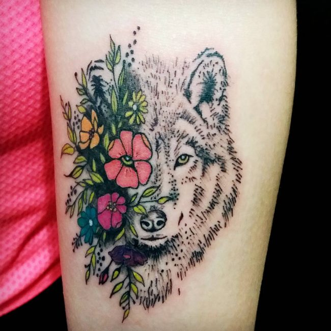 3fb9cefd44fcf A wolf only mates one partner while they are still alive. Therefore, these  tattoos are used to symbolize the same and encourage people to embrace  their ...