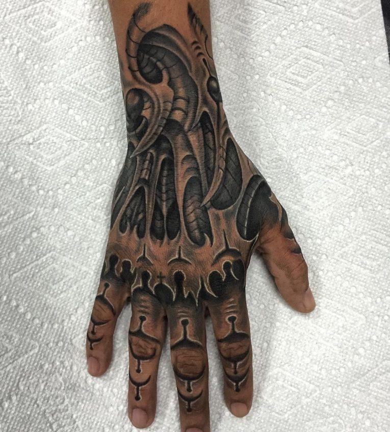 Biomechanical Tattoo 77