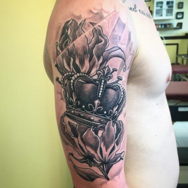 Crown Tattoo 65