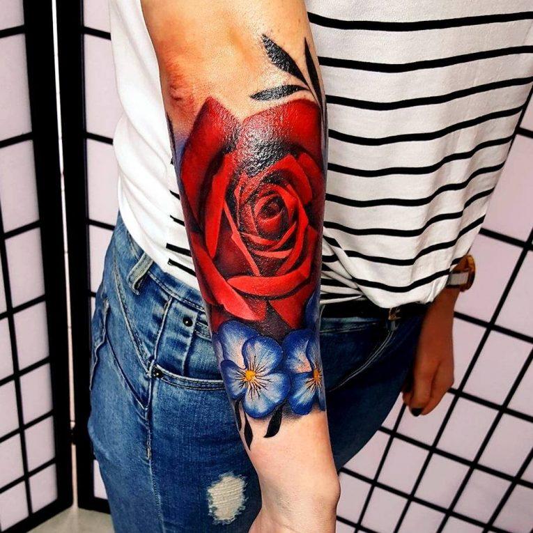 Feminine Tattoo 81