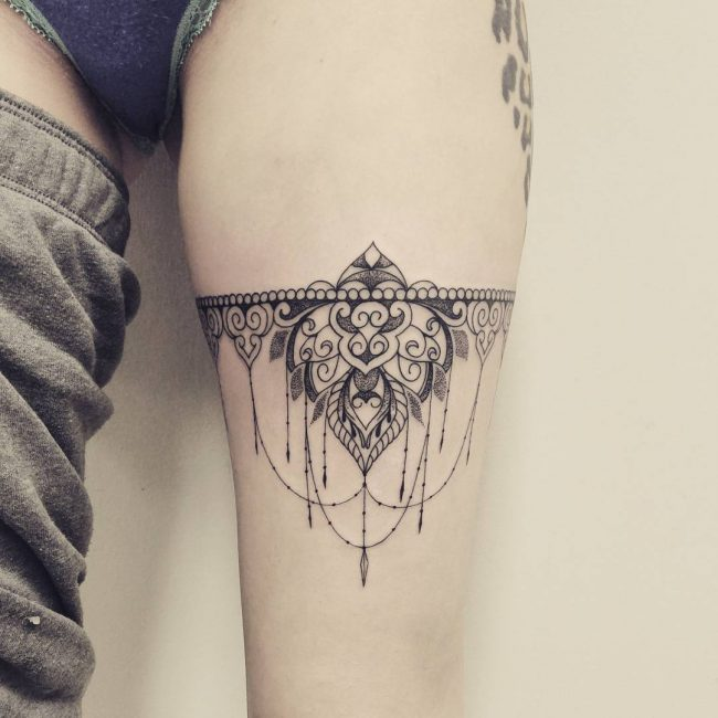 70+ Charming Garter Tattoo Designs -Keep In Touch With