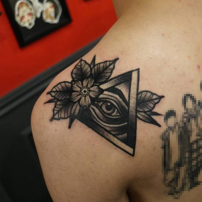 Illuminati Tattoo 44