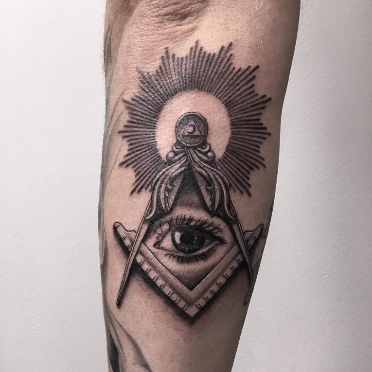 Illuminati Tattoo 54
