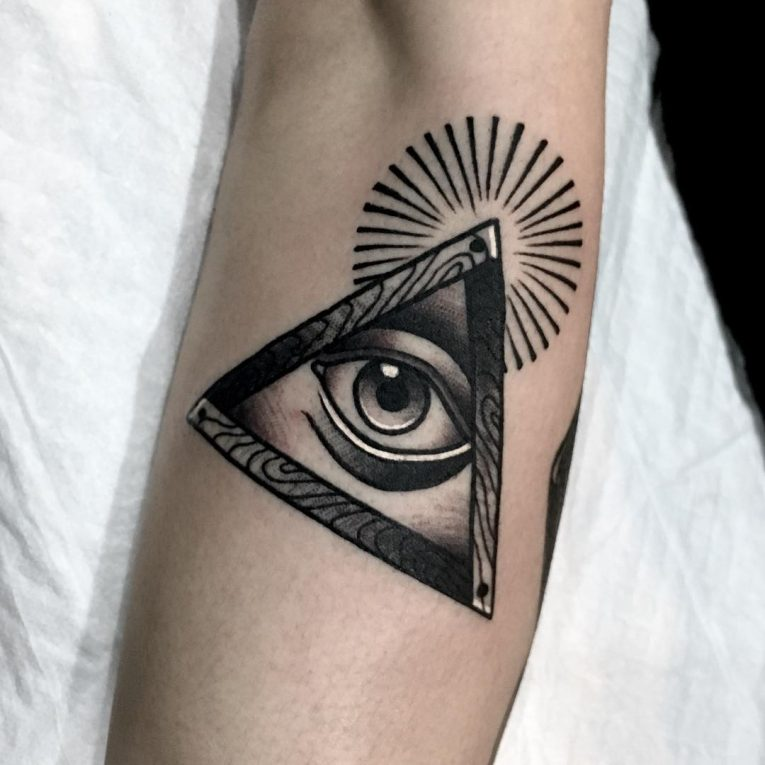 Illuminati Eye Tattoo Meaning Illuminati Tattoo - Ta...