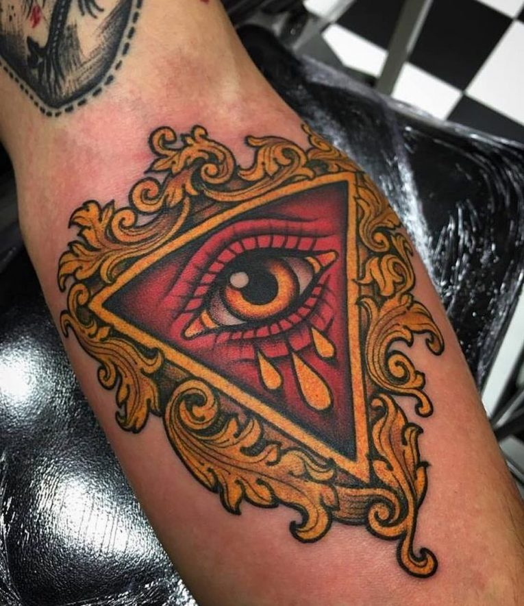 Illuminati Tattoo 59