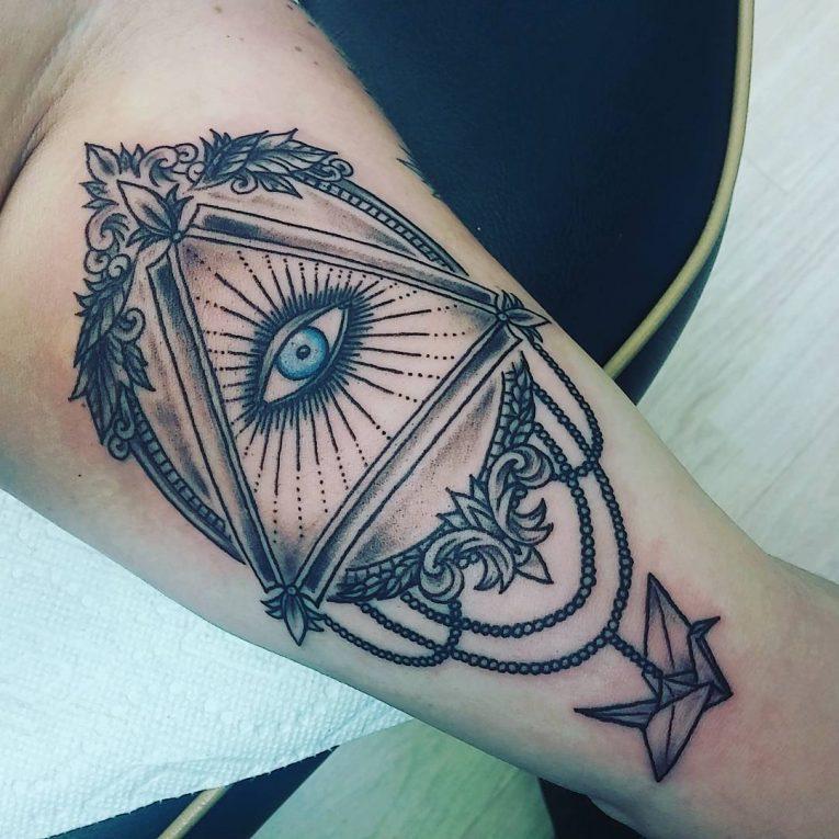 Illuminati Tattoo 61