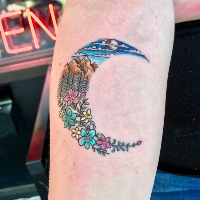 Moon Tattoo 104