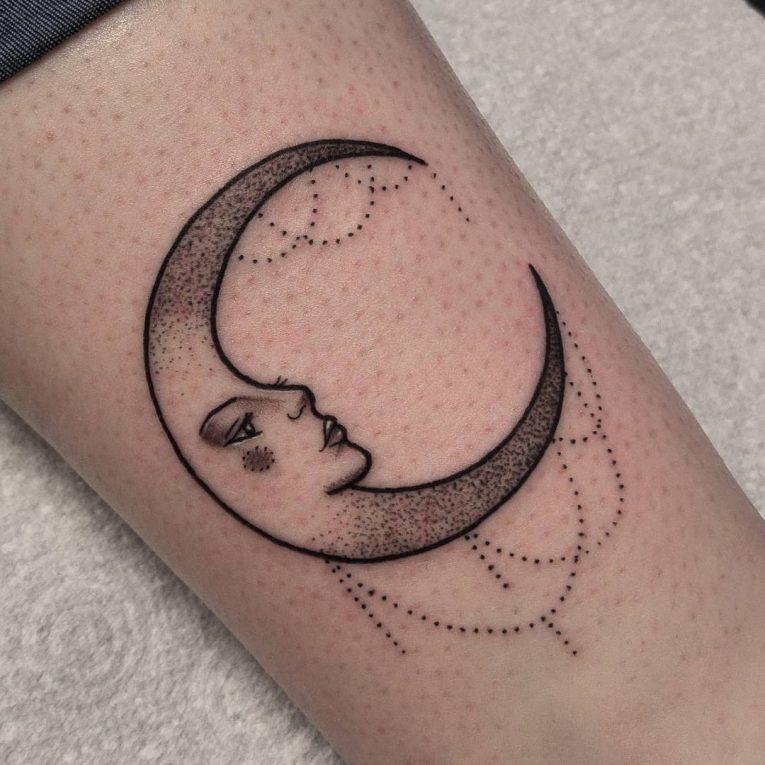 Moon Tattoo 109