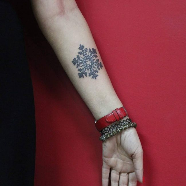 Snowflake Tattoo 60