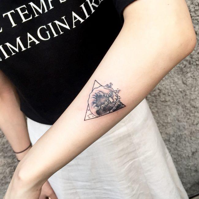 Wave Tattoo 76