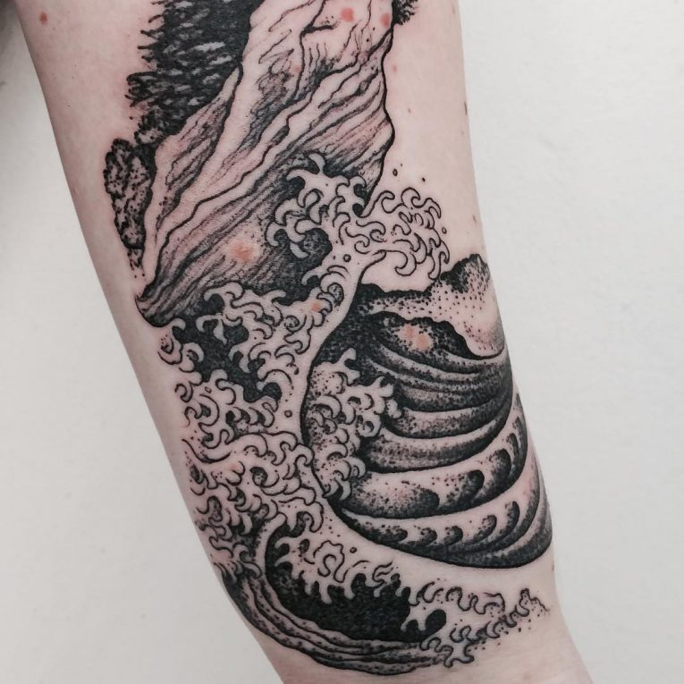Wave Tattoo 83