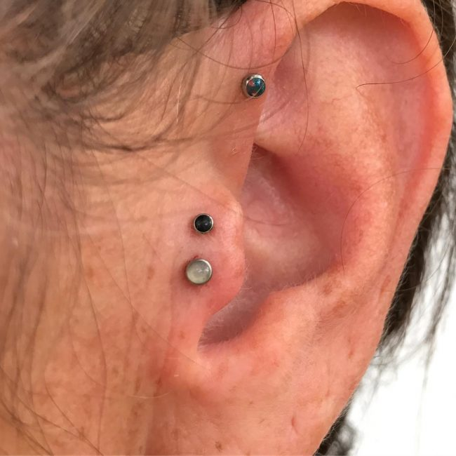 Forward Helix Piercing 48