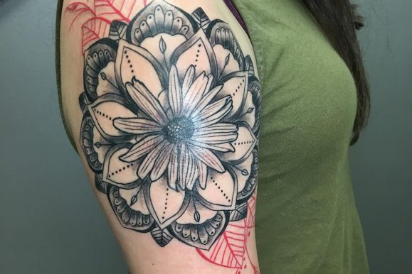 85+ Nice Daisy Flower Tattoo – Designs & Meaning (2018)
