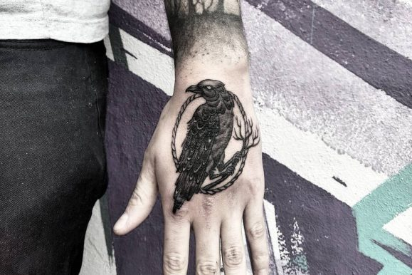 75+ Inspiring Raven Tattoo – Designs & All Meanings (2019)
