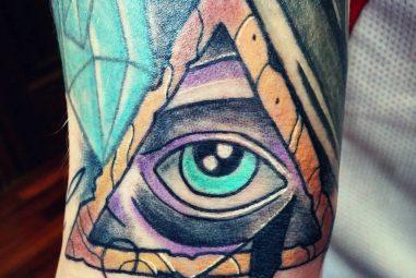 45 Incredible Ancient Egyptian Eye of Ra Tattoos – Sun God Horus