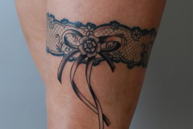 50 Charming Garter Tattoo Designs – Using a Totem to Keep in Touch with Your Feminism