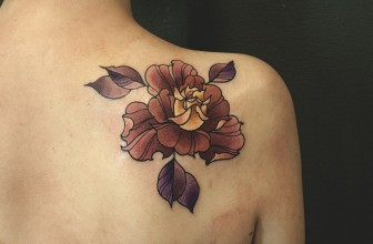 30 Awesome Shoulder Blade Tattoo Designs – Best Ideas for Life