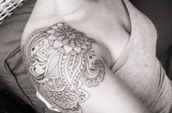 90+ Fashionable Shoulder Tattoo Designs & Meanings – Symbols of Beauty (2018)